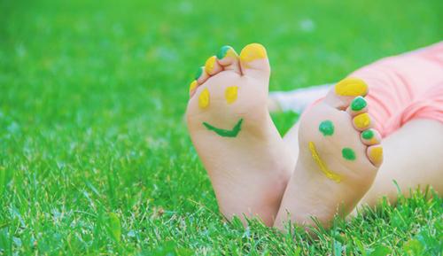 نوزادان زیر 6 ماه بیشتر از هر گروه سنی دیگری نیاز به مراقبت در مقابل نور خورشید دارند.
